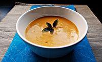 moja ulubiona zupa z dyni+mała modyfikacja w moim stylu. Więcej warzyw ;)