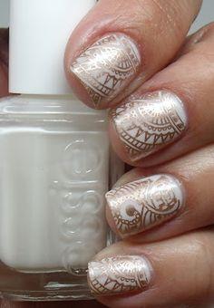 Gorgeous henna inspired nail art by Colores de Carol: Essie Marshmallow