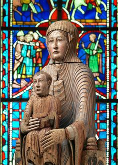Virgin and Child in Majesty, 1175–1200. French. The Metropolitan Museum of Art, New York. Gift of J. Pierpont Morgan, 1916 (16.32.194a, b) | In medieval sculpture, individual body parts were often accentuated to convey meaning. Here, Mary's oversized hands direct our attention to Jesus, enthroned upon his mother's lap. Hear and watch diverse viewpoints on this sculpture. #MetViewpoints