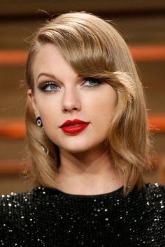 27 - La mèche crantée de Taylor Swift - EN IMAGES. 60 coiffures à guetter pour la rentrée - L'EXPRESS