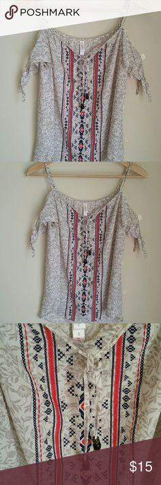 NWT Boho Printed Off The Shoulder Tank Top Tribal Aztec Print Cold Should Blouse. Size Small. Loose and flowy fit Tops