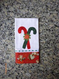Este Kit contém 6 panos de prato. Pode ser vendido separadamente,o valor de cada pano de prato é : R$ 25,00 Christmas Towels, Christmas Items, Best Friend Christmas Gifts, The Birth Of Christ, Dish Towels, Decoupage, Applique, Patches, Christmas Decorations