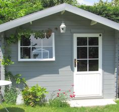 … at the bottom of the garden or almost Indispensable to empty a little house It was mounted in one day by a trio of shock … Source by efacien Backyard Storage Sheds, Backyard Sheds, Outdoor Sheds, Cabina Exterior, Small Gardens, Outdoor Gardens, Log Cabin Exterior, Shed Makeover, Chalet Interior