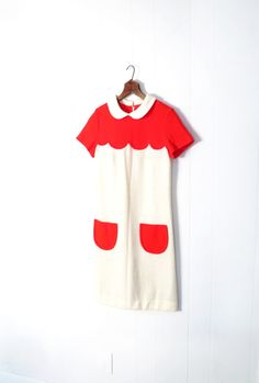 Vintage Courreges Dress / 1960s Mod Dress / 60s Knit Dress / Poppy Red and White / Peter Pan Collar / Scallop Dress / XS.