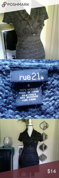 Rue 21 sweater dress Women's very gently pre loved gray black knit short sleeve mini sweater dress size Small. Gorgeous fold over collar with button detail. Thanks for looking!! Bundle to save!! Rue 21 Dresses Mini