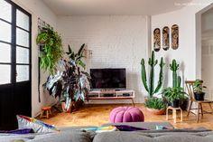21-decoracao-sala-parede-tijolinho-branco-cactos-plantas