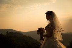 Nos, egy esküvőn mindenki tud fotózni. Az anyós, az anyu, a nagyi, az Ilike, meg a Cilike is, bár róluk fogalmam sincs hogy kicsoda. Fontos a profi fotós felkérése.