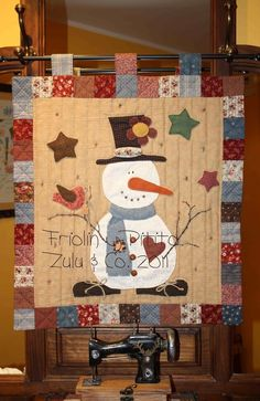 Zulu & Co, snowman quilt Colchas Country, Country Quilts, Christmas Sewing, Christmas Projects, Holiday Crafts, Small Quilts, Mini Quilts, Snowman Quilt, Christmas Wall Hangings