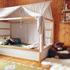 Alcuni fantastici hacks del letto Kura e del letto Mydal di Ikea KURAhickoryandjuniper ikeahackers.net tinyscandinavian witgrijsroze MYDAL mamasliebchen rafa-kids Via P