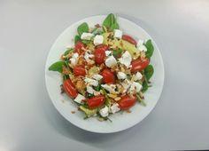werklunch - salade met tomaat, avocado en feta