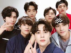 """WayV family pics from wayv members weibo posts a thread to cry to"" Yang Yang, Style Pastel, The 7th Sense, Johnny Seo, Nct Group, Group Photos, Ulzzang Boy, Winwin, Kpop Groups"