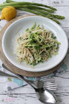 Recipe for pasta with asparangus and pies: http://ullatrullabacktundbastelt.blogspot.de/search?updated-max=2015-07-04T07:00:00+02:00