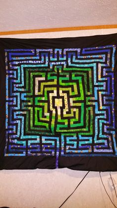 A Small Sample Study (of works in progress): Labyrinth Quilt is Finally Finished!
