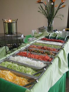 Colin and Lindsey have a taco bar because it is a cheap way to feed a lot of people.Taco bar for the reception ~ easy, affordable, yummy, and fun! Rod's idea for food at the reception. Party Fiesta, Festa Party, Snacks Für Party, Taco Party Bars, House Party, Chili Bar Party, Party Food Bars, Tapas Party, Snacks