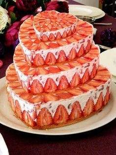 I am totally making this strawberry fruit cake one day!!