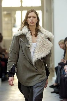 Balenciaga Fall/Winter 2004 by victorismaelsoto, via Flickr