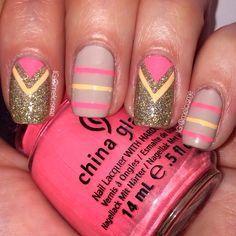 Nude neon chevron/stripes nailart by instagram.com/melcisme