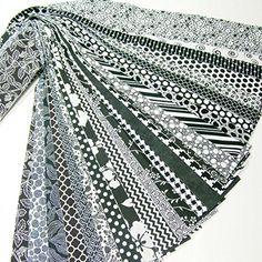 Jelly Roll 25 Cotton Quilting Fabric Strips 2.5 X 43-inch Classic Black and White No Duplicates Material Treasures http://www.amazon.com/dp/B00V2I19ZO/ref=cm_sw_r_pi_dp_U4g1wb1W9AXEJ