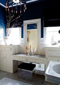 Gabriel Hendifar bathroom, white, dark navy, pendant lighting, marble