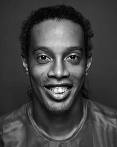 """Ronaldinho - """"Siempre soñé con jugar en el Barcelona, desde pequeño, y ahora que tengo la oportunidad, haré todo el esfuerzo por dar muchas alegrías"""""""