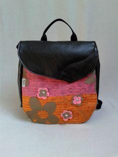 A(z) 18 legjobb kép a(z) Back-pack női hátizsák táska táblán  da3624f2ca
