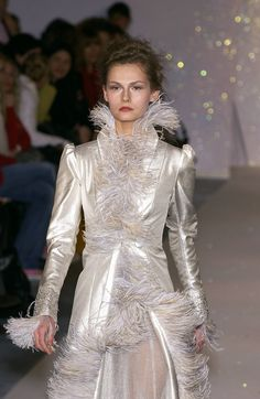 Luisa Beccaria Fall 2005 Runway Pictures - StyleBistro