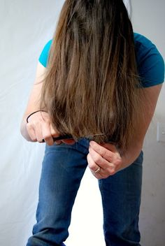 Hmm, wonder if Incould do this. How to cut your own hair. An easy, DIY haircut for feathering long hair. I've been cutting my own hair this way to several years! Cut Own Hair, Trim Your Own Hair, How To Cut Your Own Hair, Hair Trim, Hair Cut Diy, Long Layered Haircuts, Haircuts For Long Hair, Long Hair Cuts, Diy Hairstyles