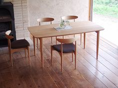 Swallowテーブル 幅160×奥行90×高さ70cm(サイズ変更可)