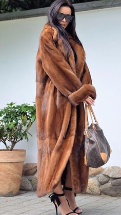 Women's Party / Daily Basic Fall & Winter Long Faux Fur Coat, Solid Colored Stand Long Sleeve Faux Fur Brown 2019 - AU $124 Brown Faux Fur Coat, Long Faux Fur Coat, Faux Fur Jacket, Fur Coat Outfit, Tutu, Winter Fur Coats, Outfit Trends, Outfit Ideas, Fur Clothing