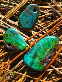 Hand made stone pendants of Parrot Wing Chrysocolla: http://manitoubeads.com/