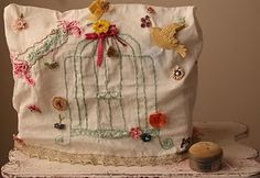 sewing machine cover from vintage tea towel...Doris would love this. Have to find a vintge tea towel