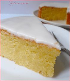 Almond or fondant almond cake - Pearl sugar - Almond or fondant almond cake More - Vegan Dessert Recipes, Fudge Recipes, Cheesecake Recipes, Oreo Cheesecake, Desserts With Biscuits, Baked Carrots, Almond Cakes, No Bake Treats, Food Cakes
