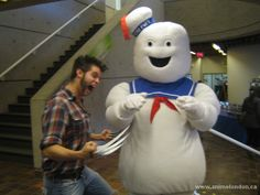 Wolverine VS Stay Puff Marshmellow Man (X-Men VS Ghostbusters) LOL Stay Puff, Man Vs, Ghostbusters, Online Images, Wolverine, X Men, Cosplay, Gallery, Roof Rack