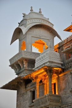 ॐ Jaipur Hindu Mandir (Temple) Chattri ( Umbrella) Hinduism architecture, India 卐