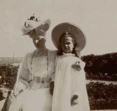 Alix H with daughter Marie
