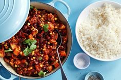 Slimming World Recipes Mixed Bean Tex Mex Chilli Evewoman - Place A Pan Sprayed With Low Calorie Cooking Spray Over A Medium Low Heat Cook The Onion And Garlic For Mins Or Until The Onion Is Soft Stirring Occasionally Add Cumin Peppers And Carrots Slimming World Chilli, Slimming World Speed Food, Slimming World Vegetarian Recipes, Vegan Slimming World, Healthy Diet Recipes, Slimming World Recipes, Healthy Eating, Chilli Recipe Vegetarian, Chilli Recipes