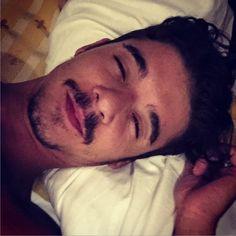 #MorenoMc Moreno Mc: Rosso pachino occhio Pechino e sempre una faticaccia alzarsi di mattino!!! Buongiorno a tutti. #Incredibile