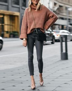 easy, casual, comfy outfits with leggings for fall 11 ~ Modern House Design Pullover Rock, Pullover Outfit, Oversize Pullover, Oversized Sweater Outfit, Legging Outfits, Sweater Outfits, Sweater Skirt, Trendy Outfits, Fall Outfits