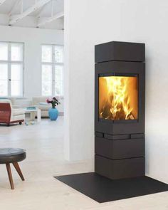 Wonderful Screen Pellet Stove with tv Suggestions Pellet ranges are a fun way to spend less whilst warm while in these very lazy winter time on home. Chalet Design, House Design, Modern Fireplace, Fireplace Design, Wood Pellet Stoves, Wood Burning Fireplace Inserts, Wood Burner, Home Interior Design, Furniture Design