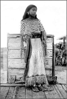 Kiowa girl. - Photographed 1890, by ??? - B&W version