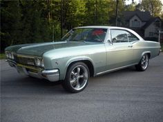 1966 Chevy Impala - my parents' car. It was gold with vinyl roof. I drove it to work & school. Chevrolet Camaro 1969, Chevrolet Trucks, Classic Chevrolet, 65 Chevy Impala, Impala For Sale, Chevy Muscle Cars, Sweet Cars, American Muscle Cars, Dream Cars