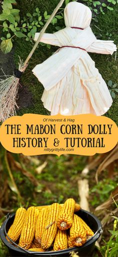 Celebrate fall and the harvest season with a beautiful Mabon corn dolly. History and tutorial for this beautiful autumn craft included. Celebrate fall and the harvest season with a beautiful Mabon corn dolly. Mabon, Samhain, Autumn Crafts, Nature Crafts, Harvest Crafts, Harvest Season, Fall Harvest, Corn Dolly, Pagan Festivals