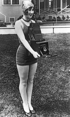 A Woman And Her Camera era camera girl in bathing suit cap heels shoes found photo Girls With Cameras, Old Cameras, Vintage Cameras, Vintage Photographs, Vintage Images, Belle Epoque, Old Pictures, Old Photos, White Photography