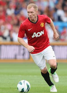 Centre Midfield - Paul Scholes
