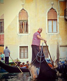 #Venice#italy#venezia #travel#sea#ig_venice#ig_venezia#photooftheday#veneto#follow#beautiful#fantasy#italians#bestoftheday#happy#igers#tbt#canal#Boat#sanmarco#Gondola#italia#Romantic#heritage#people#volgoitalia#Venedig#wanderlust#grandcanal#aroundtheworld http://tipsrazzi.com/ipost/1524794617845015101/?code=BUpKKBQFGI9