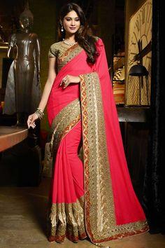Viscose rose et Art Silk Saree Avec Art Silk Blouse Prix: 222,70 € rose viscose et l'art sari de soie avec l'art de la crème chemisier de soie . Agrémentée brodé , Resham , Zari , la pierre et de la main . Saree est livré avec col chemisier u .Il est parfait pour vêtements de sport , vêtements de fête , l'usure du parti et de l'usure de mariage   http://www.andaazfashion.fr/womens/sarees/pink-viscose-and-art-silk-saree-with-art-silk-blouse-dmv8749.html