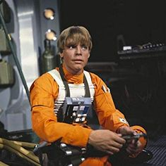 Mark Hamill as Luke Skywalker on the Star Wars set Mark Hamill, Star Wars Holiday Special, Images Star Wars, Star Wars Pictures, Crazy Pictures, Luke Skywalker, Star Wars Episodio Iv, Cuadros Star Wars, Photos Rares