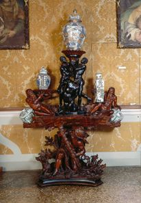 Deze 'blackamoor' kunst is confronterend én leerzaam Art Furniture, Furniture Making, Italian Baroque, Porcelain Vase, Candle Holders, Sculptures, Old Things, Flooring, Luigi Xiv