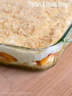 Layered Peaches and Cream Dessert . if you love fresh peaches, you will love this dessert. Pudding Desserts, Easy Desserts, Delicious Desserts, Yummy Food, Oreo Pudding, Tasty, Fruit Recipes, Sweet Recipes, Dessert Recipes