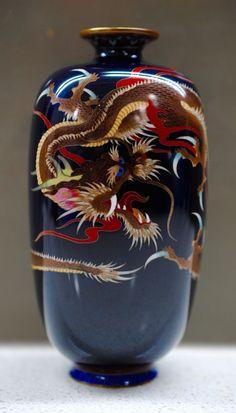 "5"" Hayashi Meiji Japanese Silver Wire Cloisonne Enamel Dragon Quatrefoil Vase"
